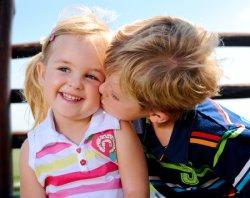 Из-за поцелуя в Америке могут овинить ребенка в сексуальном домогательстве