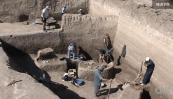 Imagini pentru Arheologii români au descoperit un oraș imens, mai vechi decât piramidele egiptene, pe traseul autostrăzii Sibiu – Nădlac. Se întinde pe 100 de hectare!