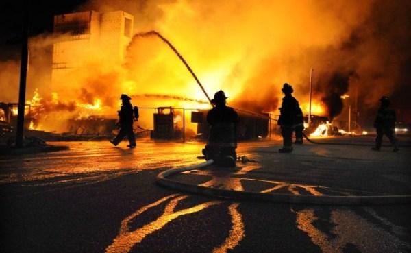 baltimore-riots-night-03-650x400