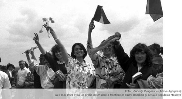 Podul-de-flori-6-mai-1990-07-BasarabiaBucovina.Info_