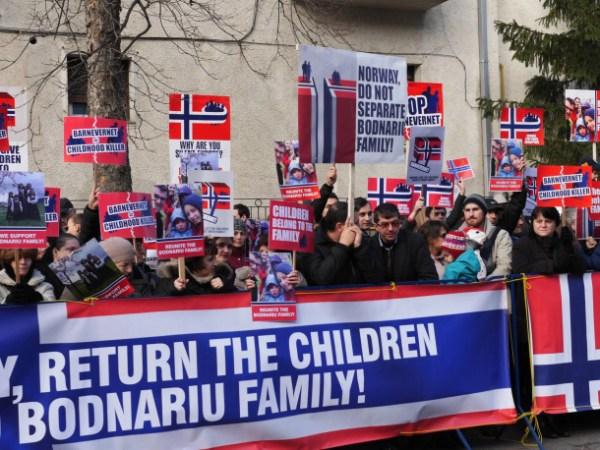 protest-pt-familia-Bodnariu-ambasada-Norvegiei