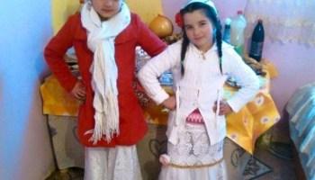 SCANDAL în comunitatea rromă Daniel Cioabă a PREZENTAT o fotografie cu două  copile-soții din 0f6e90663c