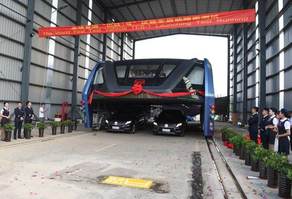 autobuz suspendat 1