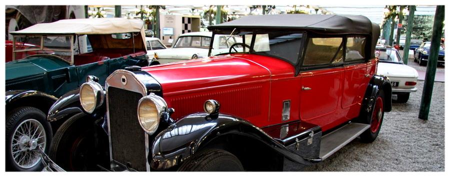 Francja-Alzacja-muzeum-motoryzacja-koleje-pociągi-co-zobaczyć-zwiedzanie-atrakcje-turystyczne-samochód-czarwony
