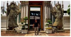 Bangkok-Tajlandia-Azja-świątynie-budda-posągi-atrakcje-co-zobaczyć-mnisi-klasztory-zwiedzanie-świątynia-leżącego-buddy-Piotr-Kiżewski