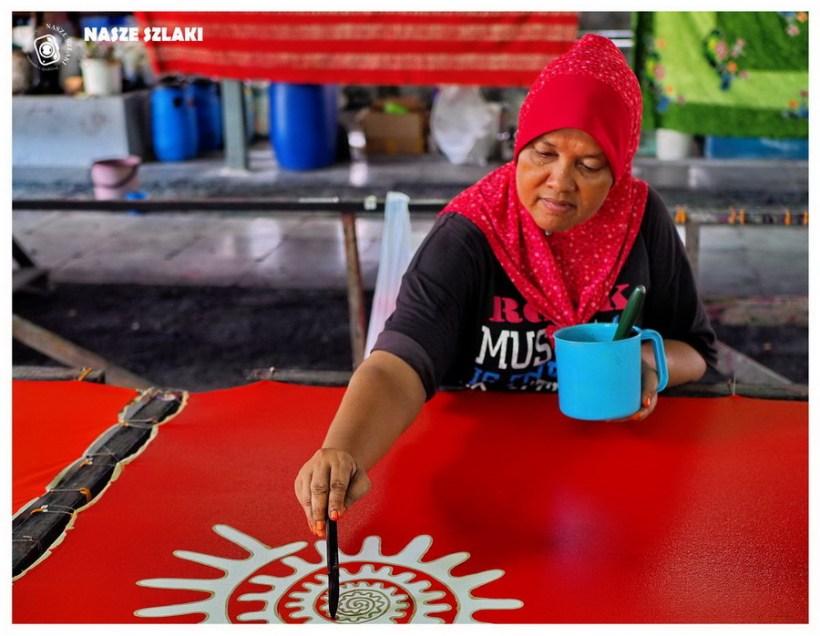 Azja-Malezja-wyspa-Penang-Batik-Craft-wosk-malowanie-farbowanie