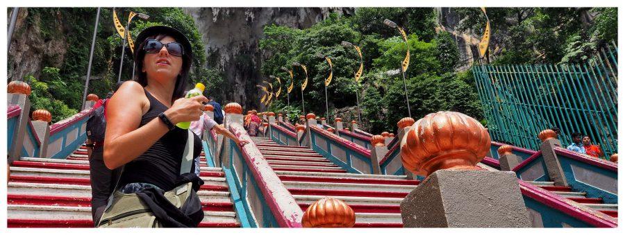 Schody prowadzące do świątyń w jaskiniach Batu Cave w Malezji to spore wyzwanie