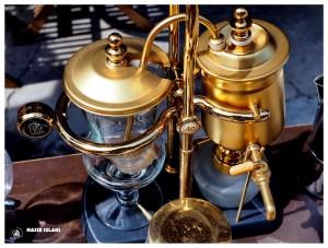 Ekspres do kawy, przelewowy, znaleziony na targu w George Town w Malezji