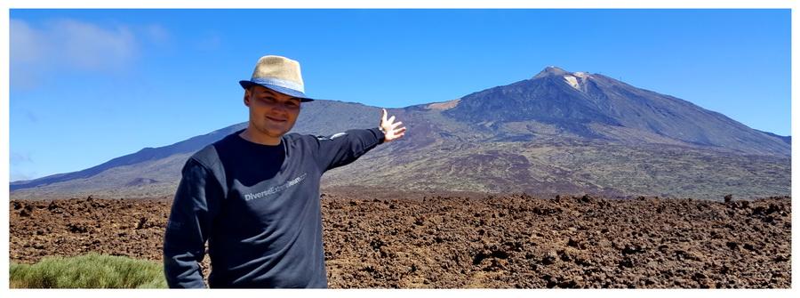Wulkan El Teide na Teneryfie w Hiszpanii. Słynne atrakcje turystyczne.