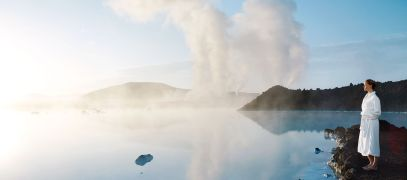 BL-Iceland-Blue-Lagoon-in-bathrobe