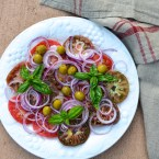 Tomato and onion salad, Mama ía