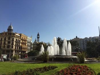 Plaza Ayuntamiento, Mama ía
