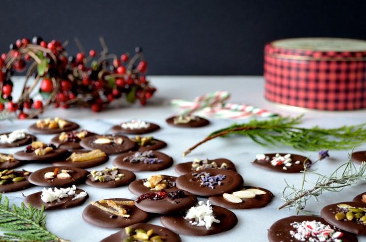 Chocolate medallions, Mama ía