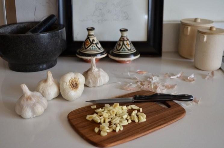 Garlic, Mama ía