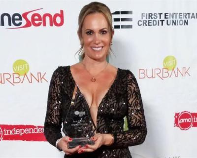Natalia Denegri gana premio por UMA.