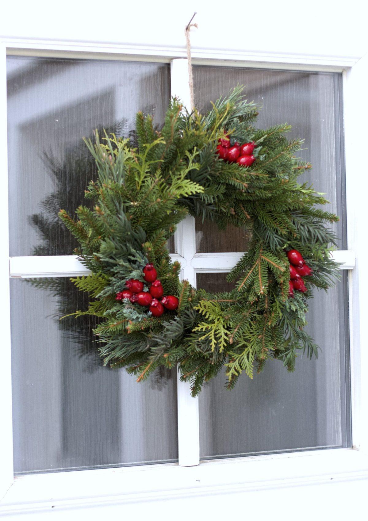 Natalia Lindberg Trädgårdsdesign - enkel julkrans på dörren