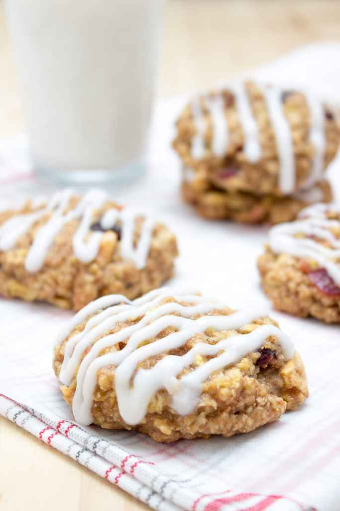 Pleasantly fragrant, soft and chewy these Apple Cinnamon Oatmeal Cookies are the perfect high-fiber breakfast cookies ready in 20 minutes. They're very nutritious, made with all healthy ingredients and contain no refined sugars. CLICK to grab the recipe or PIN for later!