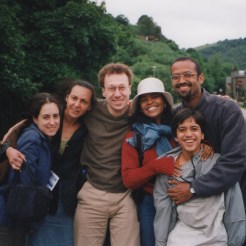 Destination: Brazil. Com Hilda Eusébio, Tereza Araújo, Jonathan Preiss, Rosângela Soledade e Victor Alexander, durante o Hebden Bridge Arts Festival. 21.06.2001.