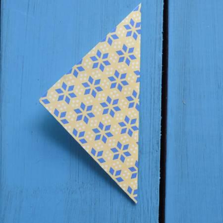 origami triangle
