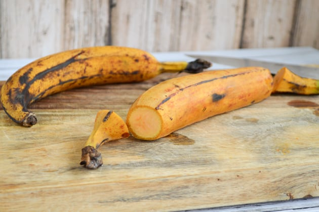 cut the plantain ends off