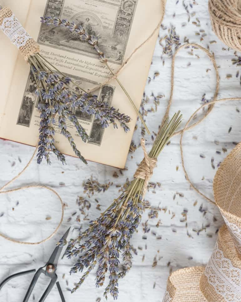 lavender crafts - how to make mini lavender bunches