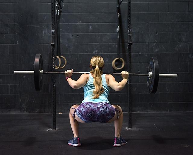 gym maternity photoshoot - backsquat