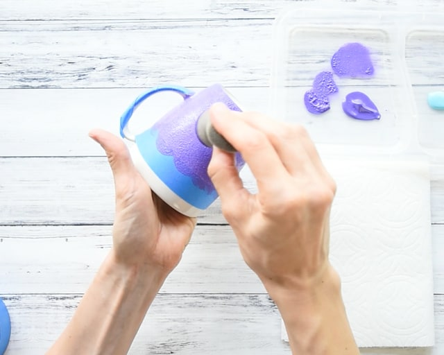 add purple paint to mug