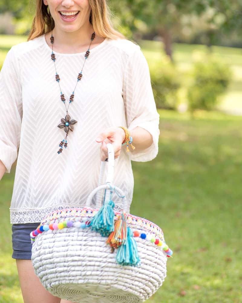 tutorial for DIY boho market basket with large tassels