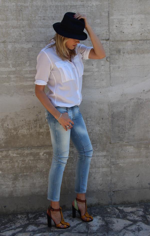 Come Scegliere i Jeans Adatti al Tuo Corpo corti