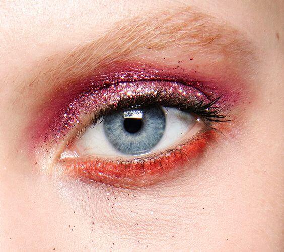 Тенденции макияжа на осень-зиму 2016/2017, блестки