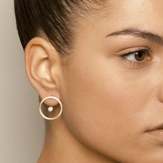 I 7 bijoux che ogni donna dovrebbe avere orecchino brillanti