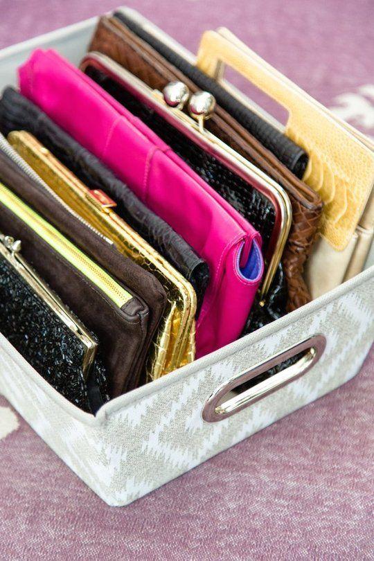 dritte per tenere in ordine le borse apartmenttherapy.com
