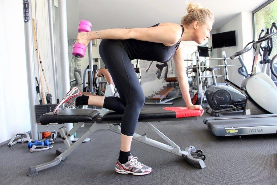 4 esercizi imbattibili per braccia perfette Natasha 2