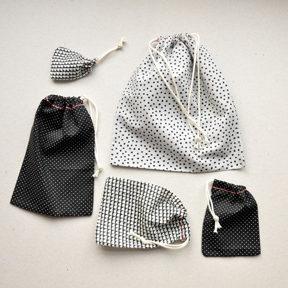 Как сохранить одежду и аксессуары, сумки