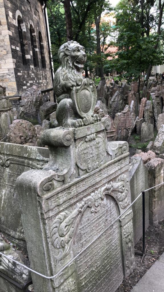 6 cose sorprendenti di Praga cimitero ebraico
