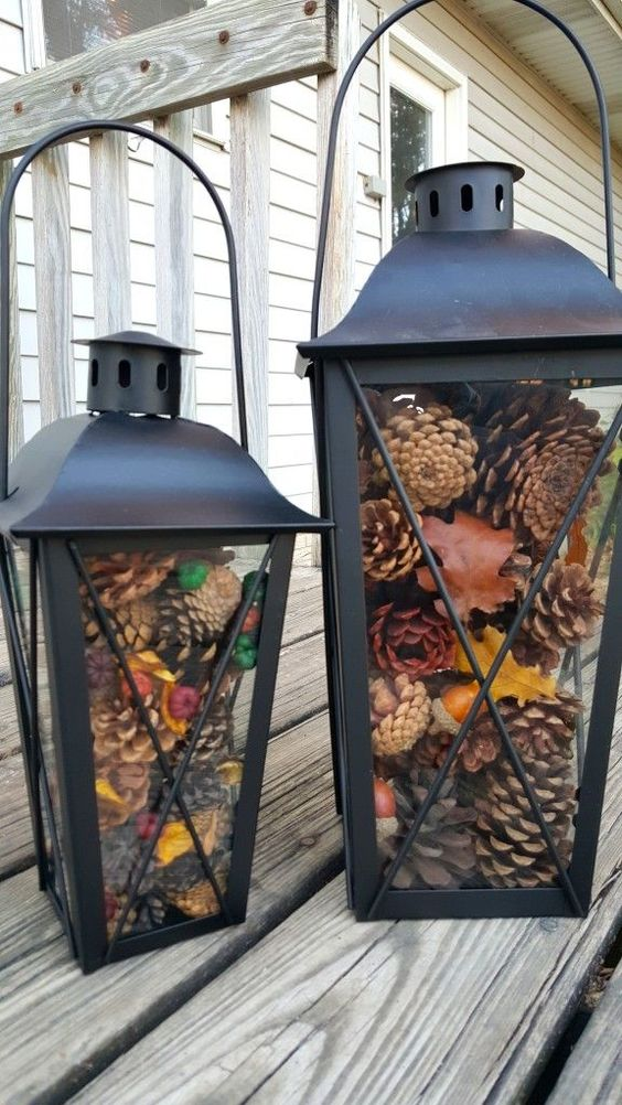 Idee facili per decorare la casa d'autunno http-::www.survivingateacherssalary.com:easy-pinecone-lantern-festive-holiday-home-decor: