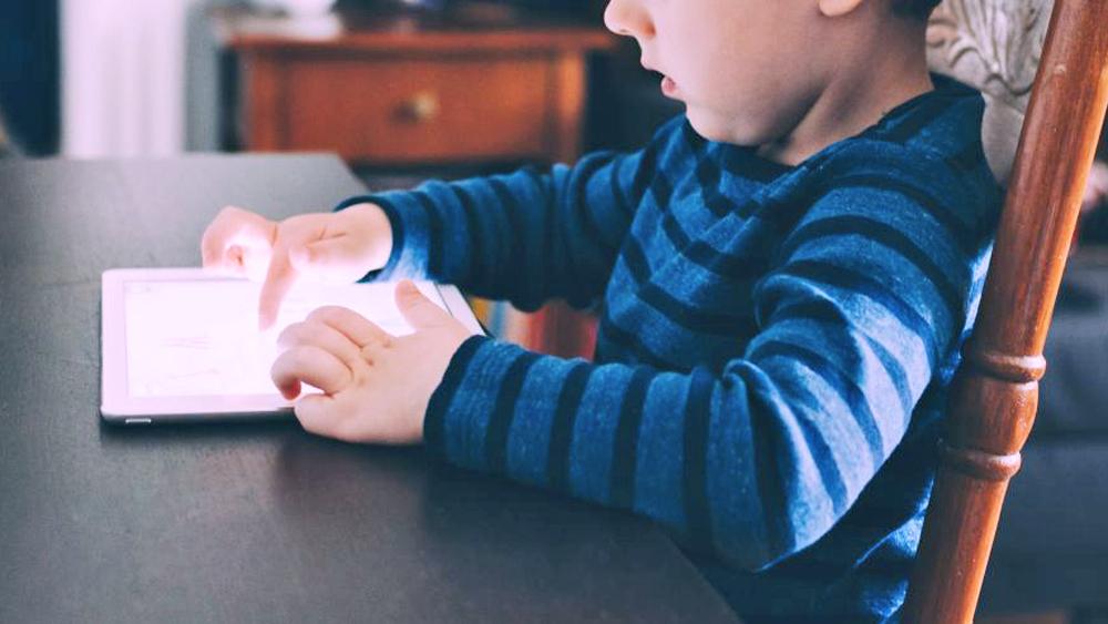 kinderen leren omgaan internet