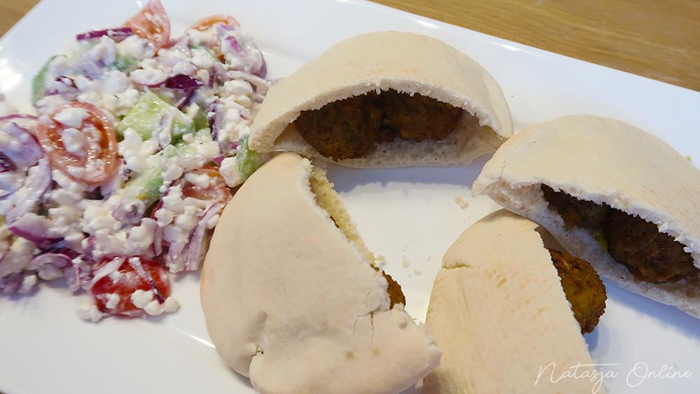 recept pita falafel met huttenkase salade