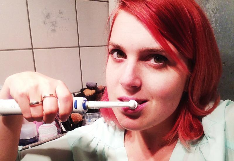 Tandenpoetsen in het openbaar?