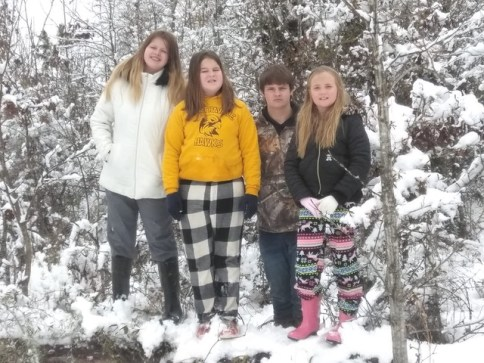 Harlie Willis, Kayelee Bynog, Gage Willis and Khloe Willis, enjoying the beautiful snow.