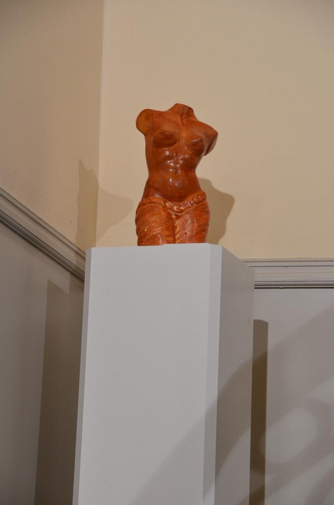 Exposition des sculptures de Nathalie Lefort au sige de la Banque Prive BNP Paribas  Lille La