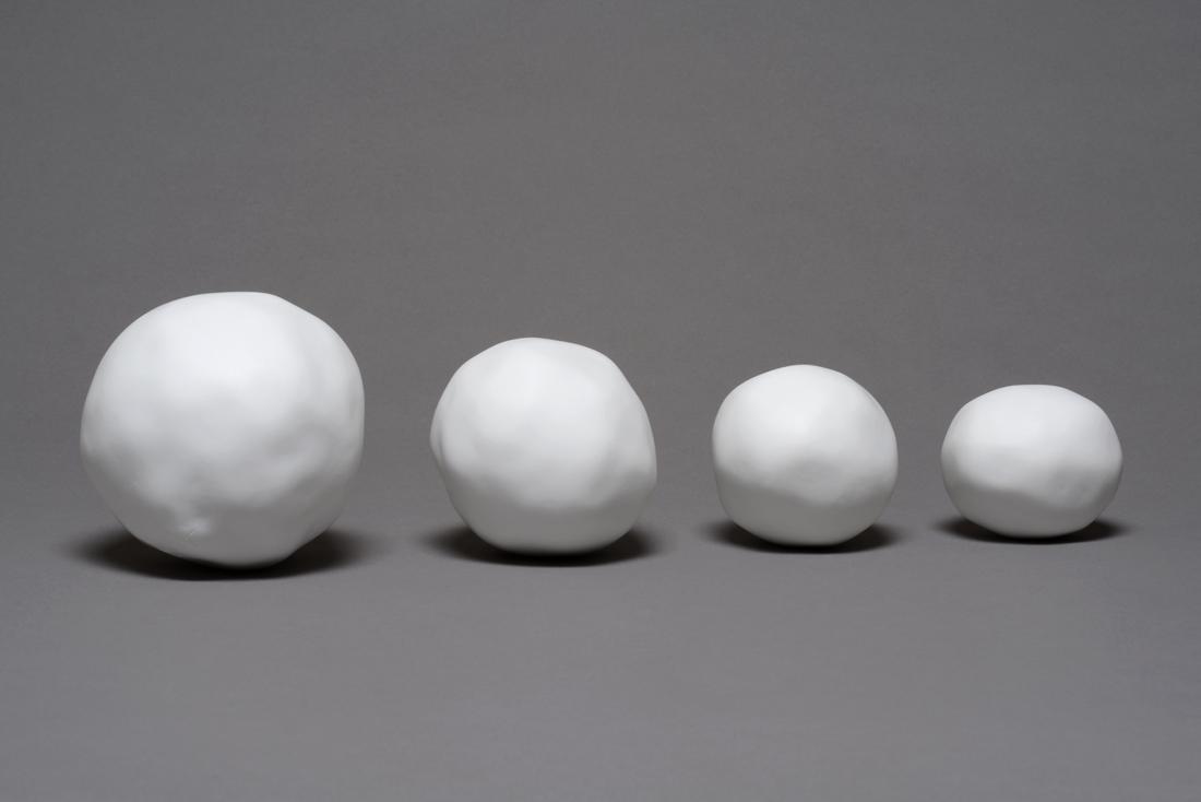 Snow balls, photo Gérard Jonca / Sèvres-Cité de la céramique
