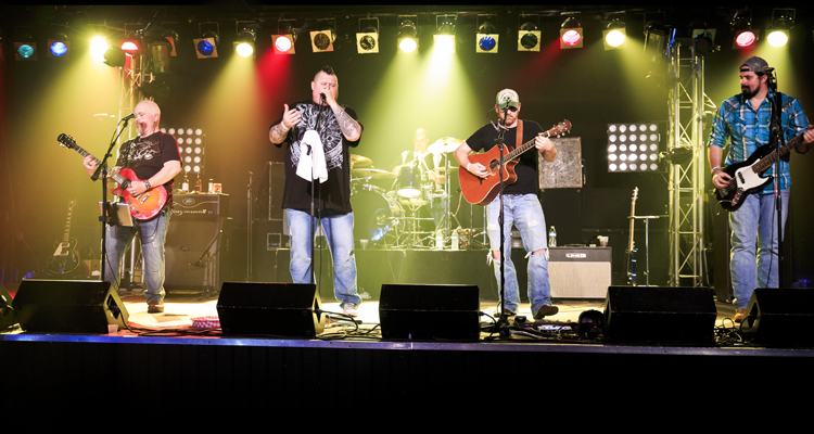 moccasin creek at realm in toledo oh 26 feb 2016 national country review. Black Bedroom Furniture Sets. Home Design Ideas