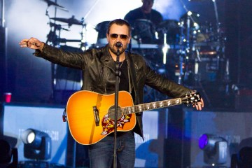 Header-EricChurch-FasterHorses-Brooklyn-MI-20160715-JohnReasoner