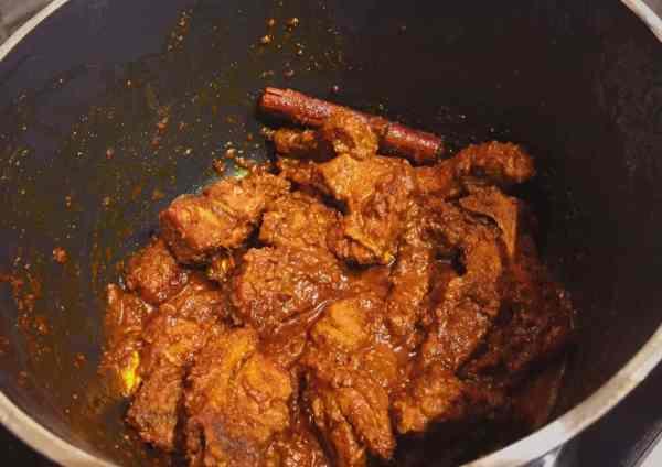 Nepali lamb Pakku slow cooking nationaldish