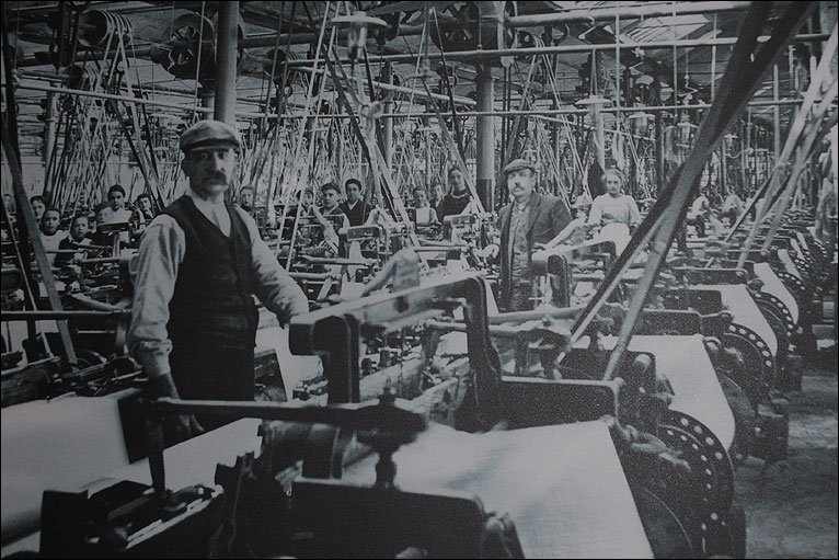 Edmund Cartwright's power looms in factory