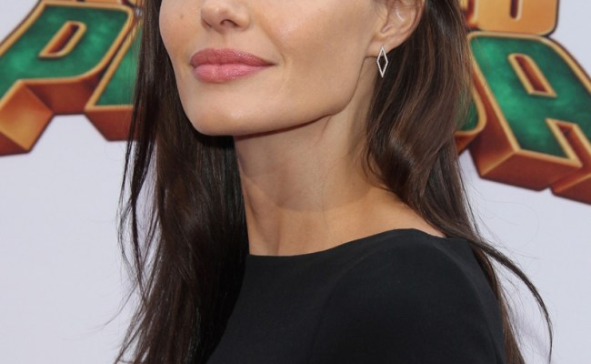 Angelina Jolie Anorexia Crisis Down To 79 Lbs National