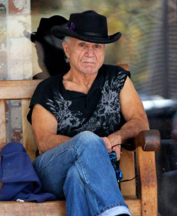 Robert Blake Marrying Mystery Woman From His Late Wife's ...