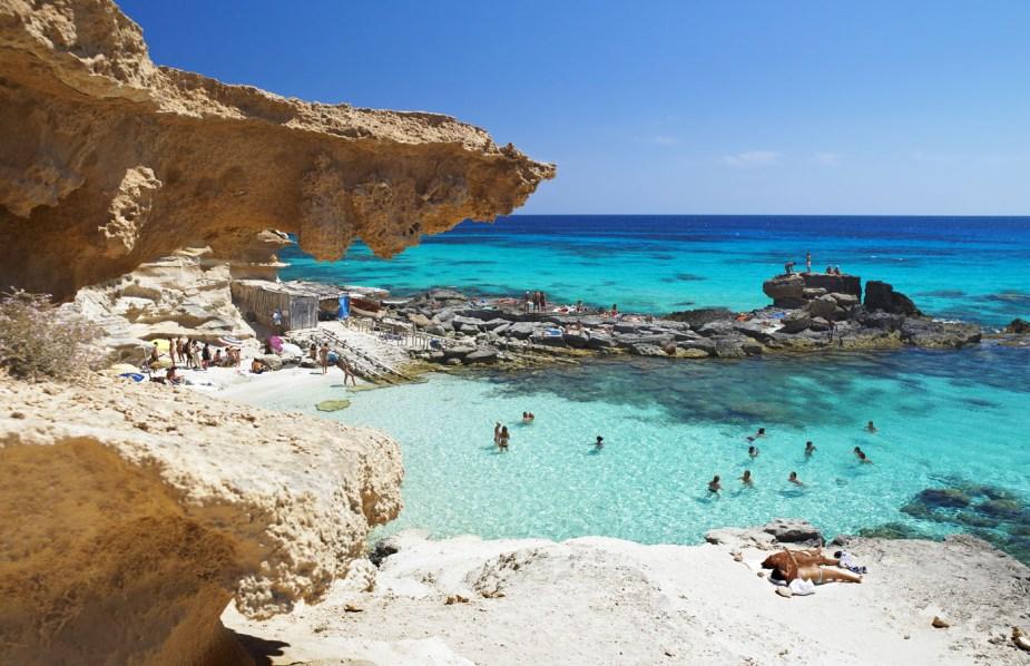 Calo des Mort (Formentera) . Calò des Mort, Islas Baleares
