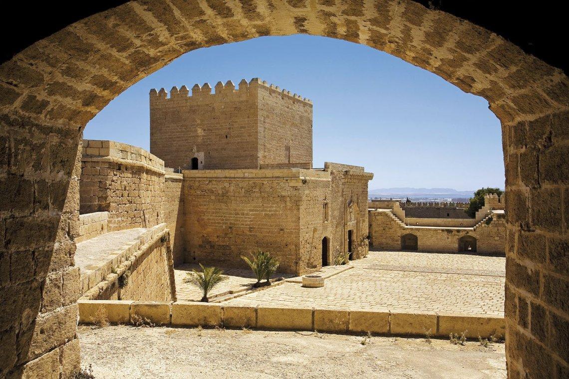 09 alcazaba almeria califato abderraman. Almería, la base naval de Abderramán